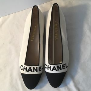 CHANEL White and Black Toe Cloth Flat